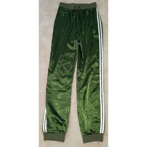 NWT Pretty Little Thing Forest Green Joggers Satin